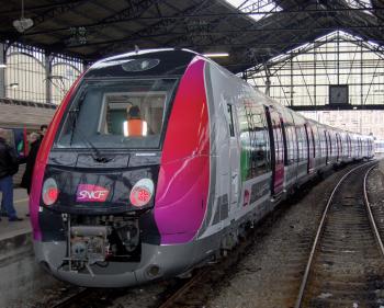 Le Francilien arrive en test à Saint-Lazare.
